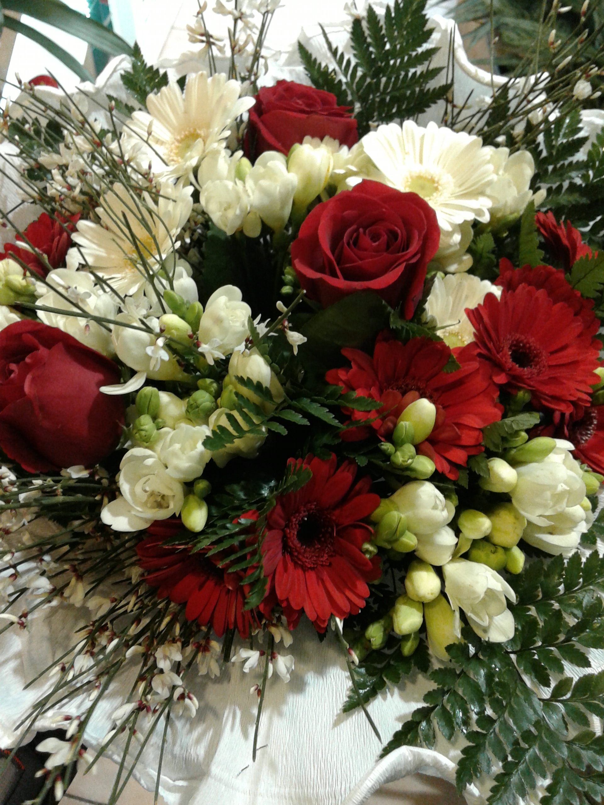 Fiori Bianchi Laurea.Bouquet Aurelia Per Ordini Telefonici Chiama 06 3217832 Fioridenni