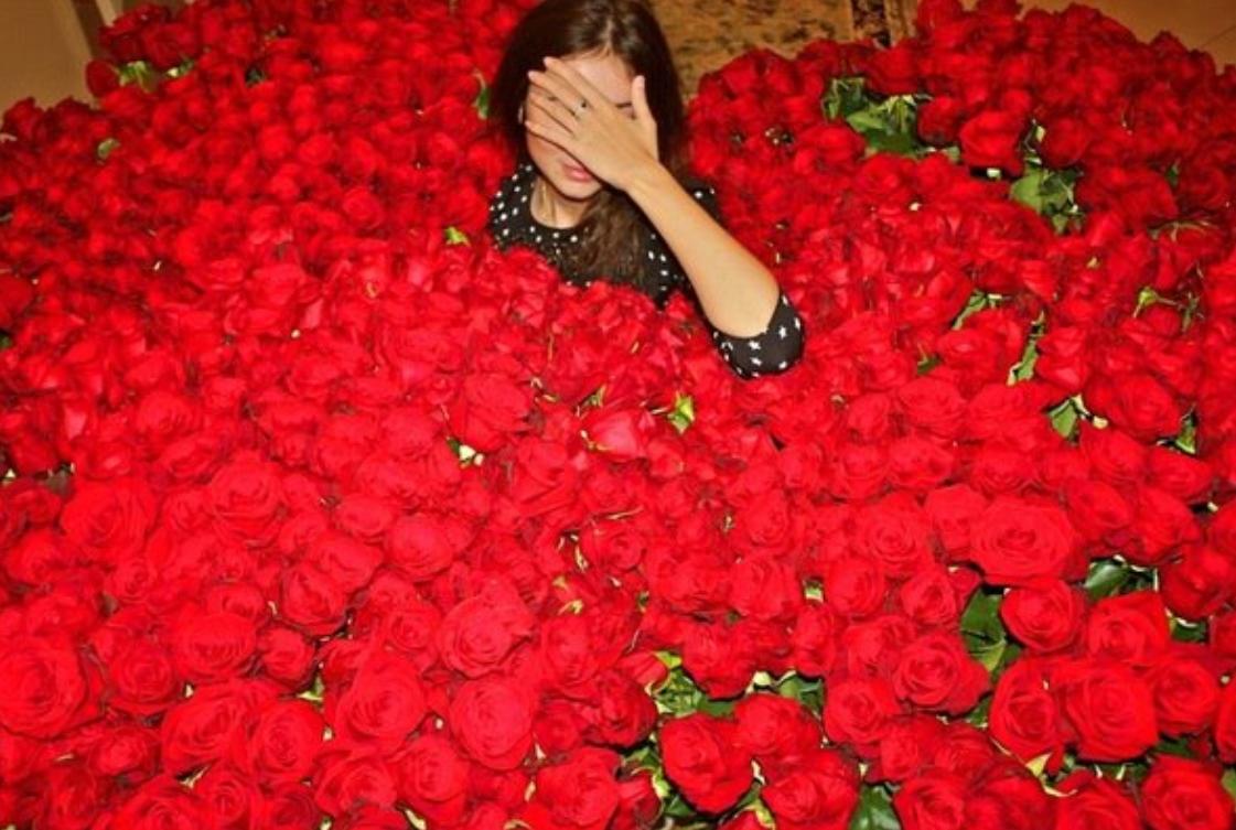 Mille rose rosse negozio di fiori a roma fioridenni for Hotel mille rose roma